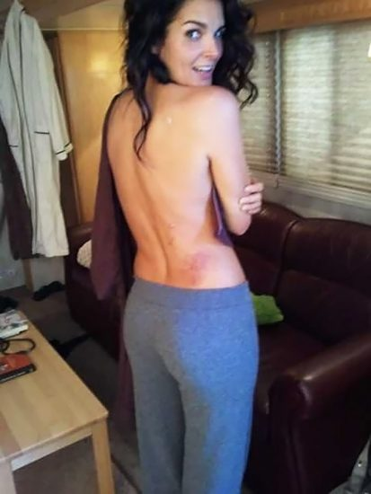 Angie Harmon Nude & Sexy Photos And Topless Sex Scenes 25