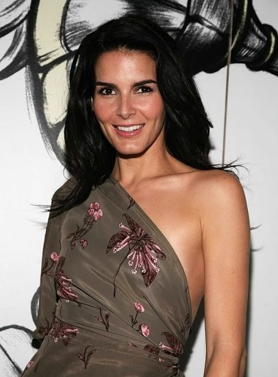 Angie Harmon Nude & Sexy Photos And Topless Sex Scenes 16