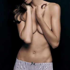 Izabel Goulart hot topless