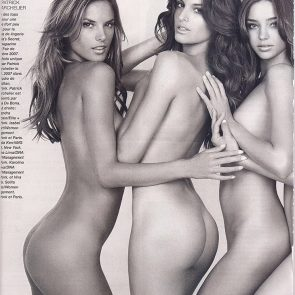 Izabel Goulart naked butt