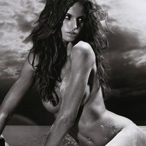 Izabel Goulart sexy and naked