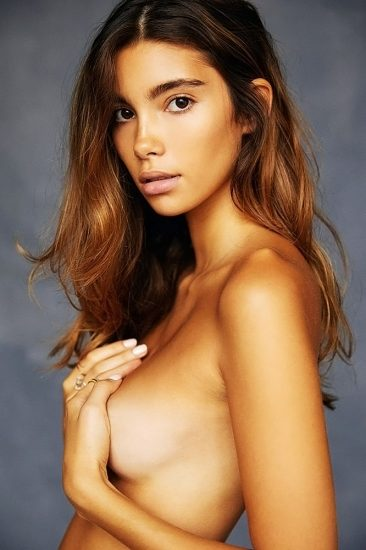 Cindy Mello nude tits