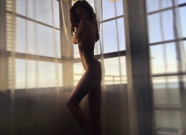 Alexina Graham LEAKED Nude Pics & Blowjob Porn 23