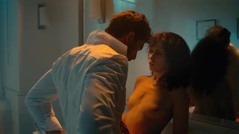 Anna-Maria-Sieklucka-nude-mirror-sex