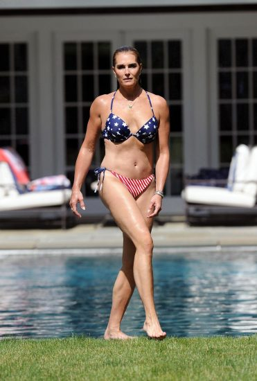 Brooke Shields Nude & Topless Pics And Sex Scenes Compilation 40