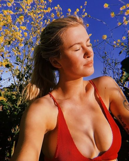 Ireland Baldwin Nude & Topless Pics And Porn Video 157