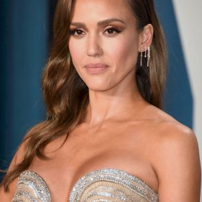 Jessica Alba Nude and Leaked Porn Video – 2020 News! 53