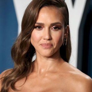 Jessica Alba Nude and Leaked Porn Video – 2020 News! 49