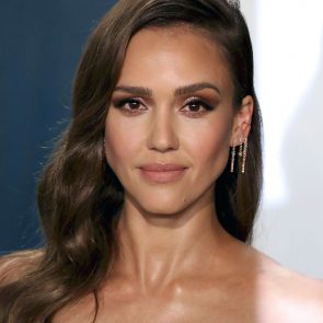 Jessica Alba Nude and Leaked Porn Video – 2020 News! 61