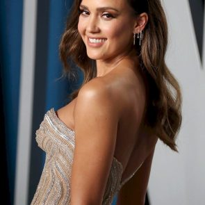 Jessica Alba Nude and Leaked Porn Video – 2020 News! 45
