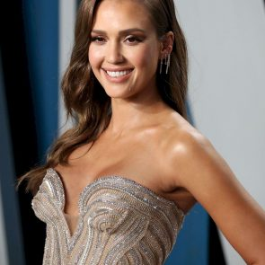 Jessica Alba Nude and Leaked Porn Video – 2020 News! 42