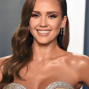 Jessica Alba Nude and Leaked Porn Video – 2020 News! 31