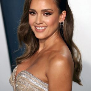 Jessica Alba Nude and Leaked Porn Video – 2020 News! 29