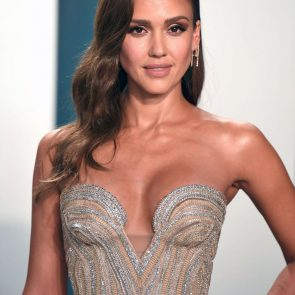 Jessica Alba Nude and Leaked Porn Video – 2020 News! 28