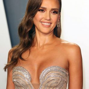 Jessica Alba Nude and Leaked Porn Video – 2020 News! 27