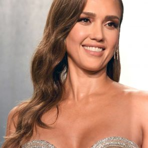 Jessica Alba Nude and Leaked Porn Video – 2020 News! 26