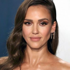 Jessica Alba Nude and Leaked Porn Video – 2020 News! 57