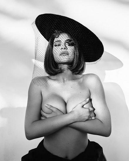 Kylie Jenner nude for instagram