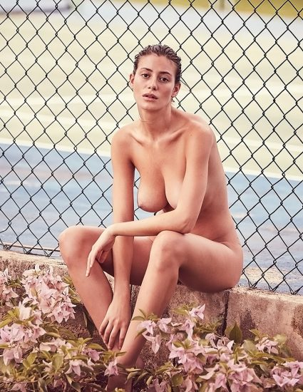 Alejandra Guilmant NUDE & Topless Photos Collection 14