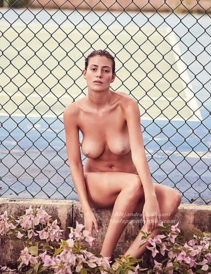 Alejandra Guilmant NUDE & Topless Photos Collection 8