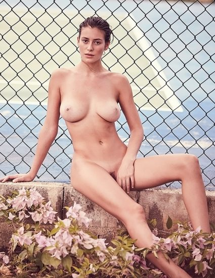 Alejandra Guilmant NUDE & Topless Photos Collection 7