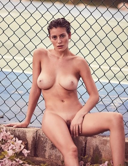 Alejandra Guilmant NUDE & Topless Photos Collection 6