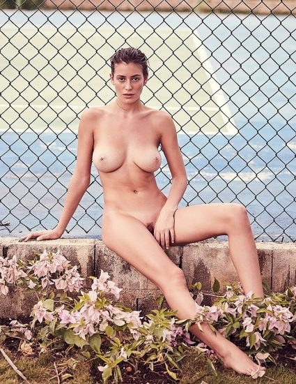 Alejandra Guilmant NUDE & Topless Photos Collection 13