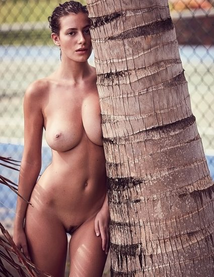 Alejandra Guilmant NUDE & Topless Photos Collection 12