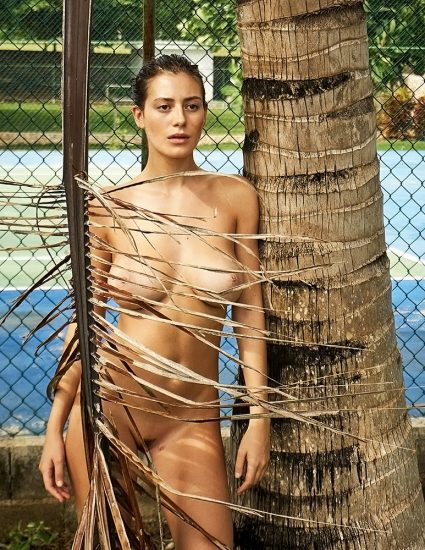 Alejandra Guilmant NUDE & Topless Photos Collection 19