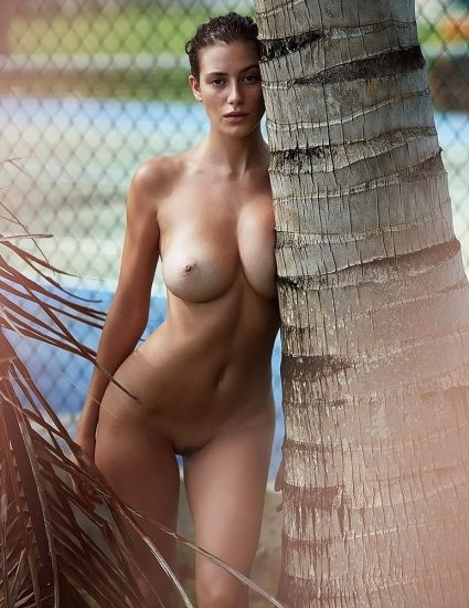 Alejandra Guilmant NUDE & Topless Photos Collection 11