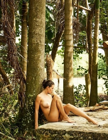 Alejandra Guilmant NUDE & Topless Photos Collection 16