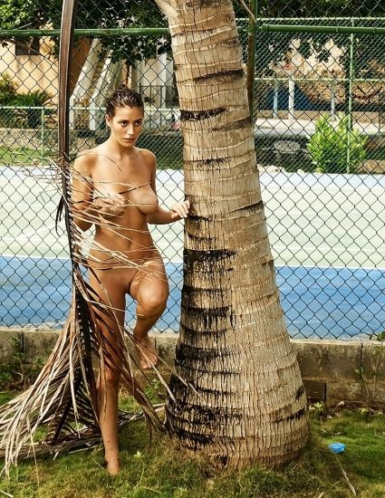 Alejandra Guilmant NUDE & Topless Photos Collection 15