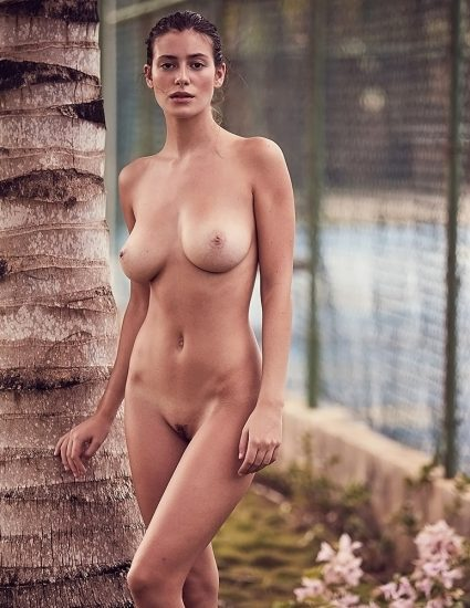 Alejandra Guilmant NUDE & Topless Photos Collection 10