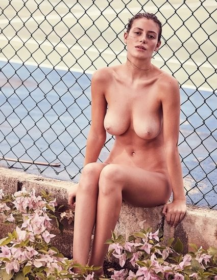 Alejandra Guilmant NUDE & Topless Photos Collection 9