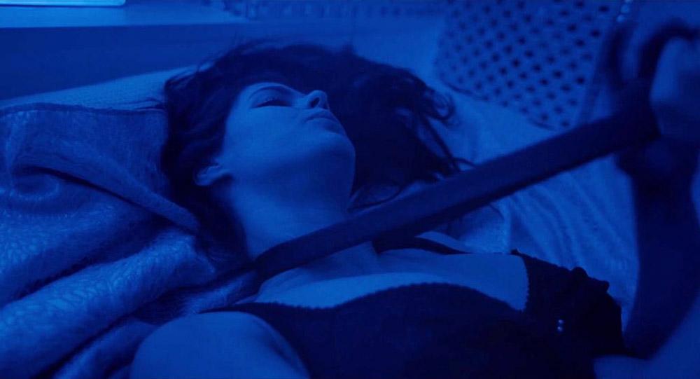 Alexandra Daddario NUDE Pics and Topless Sex Scenes 5