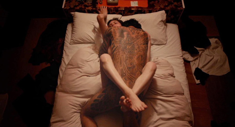 Alexandra Daddario NUDE Pics and Topless Sex Scenes 12