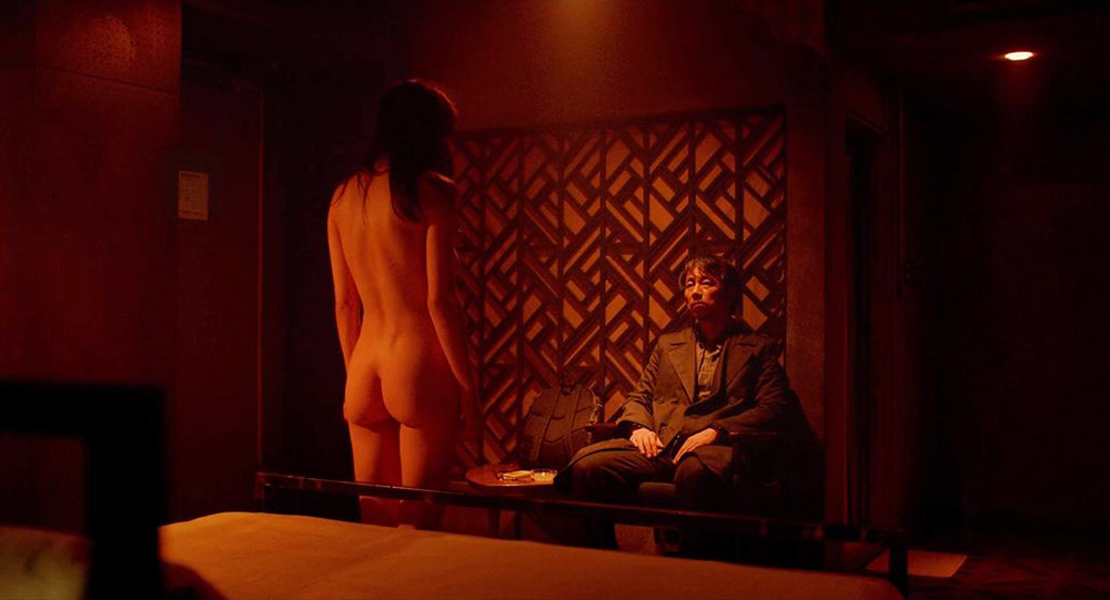 Alexandra Daddario NUDE Pics and Topless Sex Scenes 22