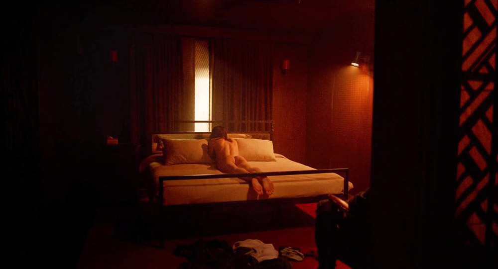 Alexandra Daddario NUDE Pics and Topless Sex Scenes 24