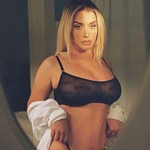 Anastasia nackt Karanikolaou Kylie Jenner's