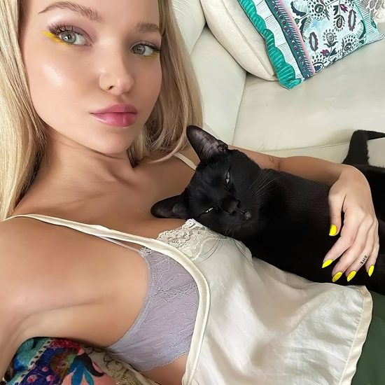 Dove Cameron Nude LEAKED Snapchat Pics & Sex Tape 28