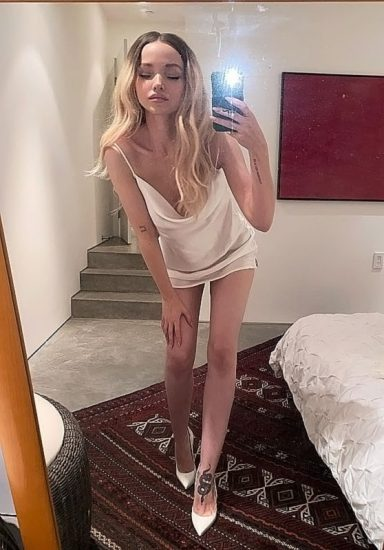 Dove Cameron Nude LEAKED Snapchat Pics & Sex Tape 46