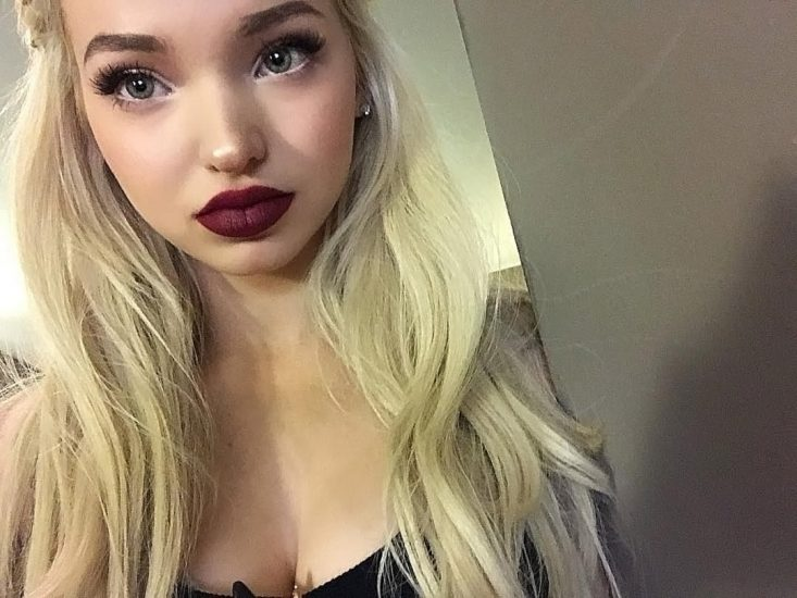 Dove Cameron Nude LEAKED Snapchat Pics & Sex Tape 36