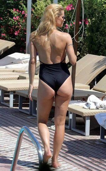 Michelle Hunziker NUDE & Topless Pics And Sex Scene 47
