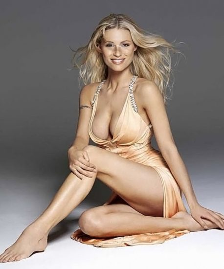 Michelle Hunziker NUDE & Topless Pics And Sex Scene 31