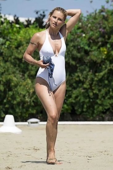 Michelle Hunziker NUDE & Topless Pics And Sex Scene 53