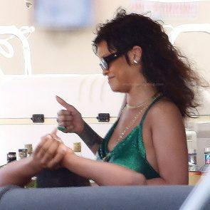 Rihanna Naked Leaks and PORN Sex Tape [2021 NEWS] 109