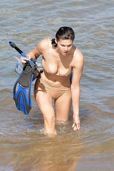 Alexandra Daddario NUDE Pics and Topless Sex Scenes 108