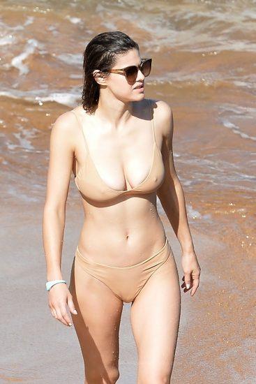 Alexandra Daddario NUDE Pics and Topless Sex Scenes 121