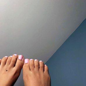 Doja Catnude painted toes