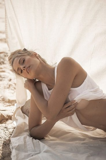 Natalie Roser Nude And Topless Pics & LEAKED Porn Video 45